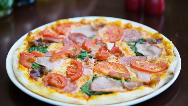 Пицца Кватро Ди Карне.jpg
