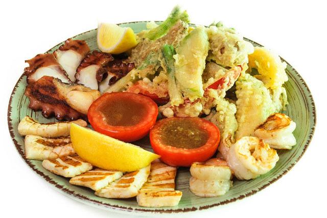 Салат из морепродуктов.jpg